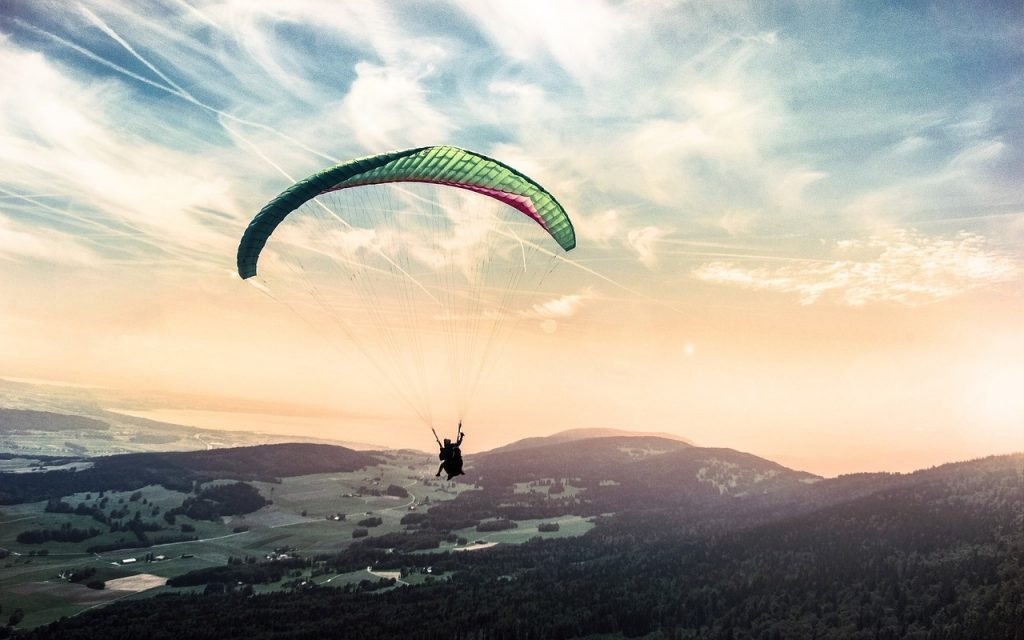 paragliding-1245837_1280